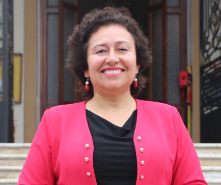 Raquel-perfil